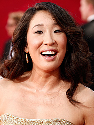 Photo of Sandra Oh at 2009 Primetime Emmy Awards 2009-09-20 19:11:56