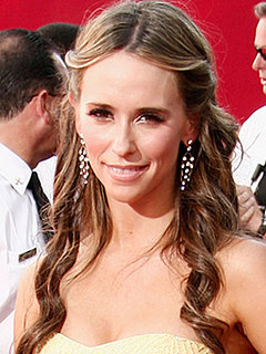 Photo of Jennifer Love Hewitt at 2009 Primetime Emmy Awards