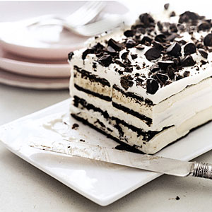 Celebrate Summer With Ice Cream Cake