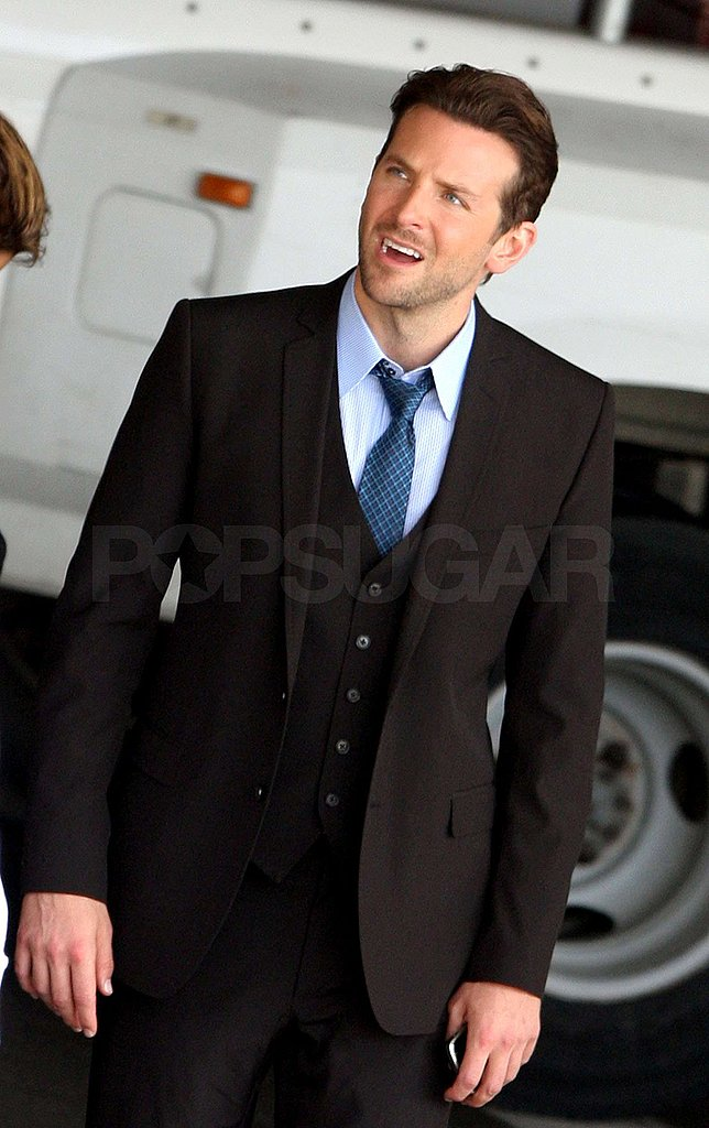 Photos of Bradley Cooper and Julia Roberts on Set