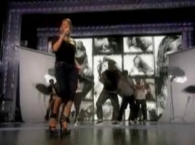 Mariah's Live Performance — Totally Entertaining or Total Trainwreck?