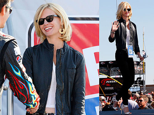 January Jones Flies to Kansas While Betty Jets to Rome