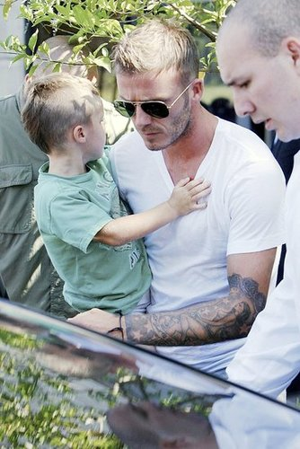Photos of David and Cruz Beckham With Matching Haircuts