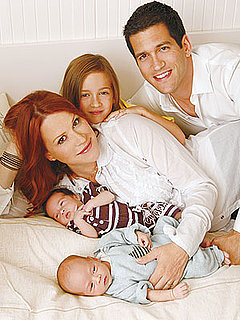 Picture of Molly Ringwald and Her Twin Babies