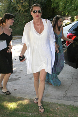 Photos of Ellen Pompeo's Baby Shower 2009-08-31 10:20:03