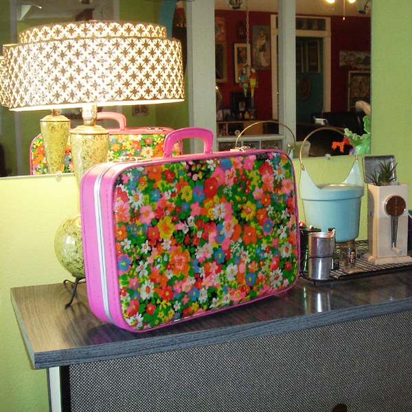 Craft helps you whip up a super-cute vintage-look laptop case.