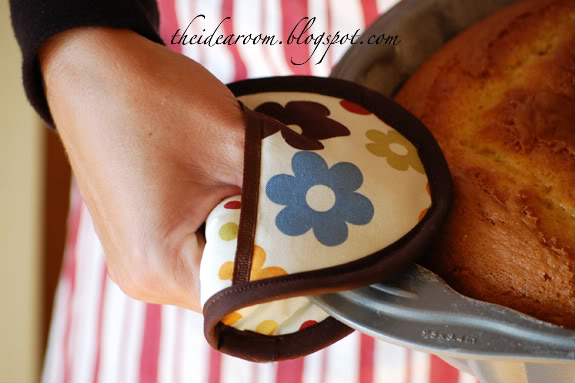 Mixing up some Fall baking recipes? Keep your hands protected with these oven mitts from The Idea Room.