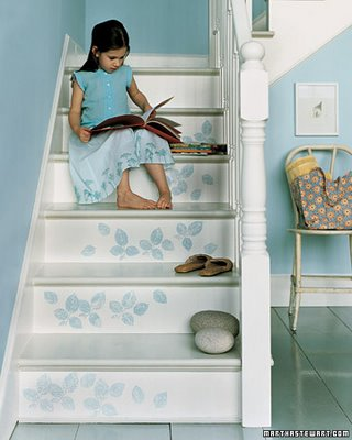 Martha will help you add some stamped, leafy charm to your staircase with this stencil tutorial.