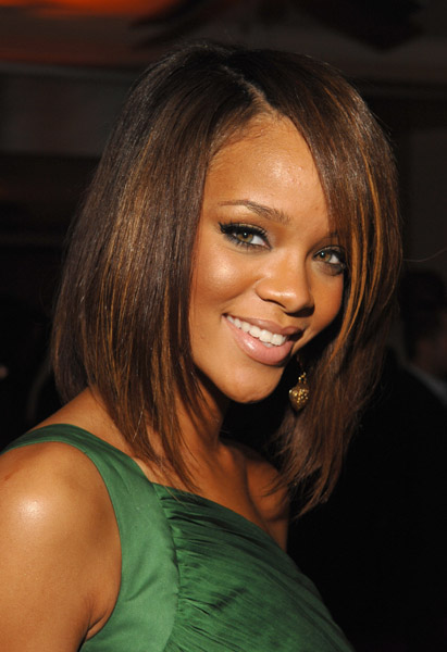 Golden-Haired and Glamorous at the 2007 Grammy's