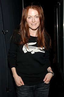 Fab Flash: Julianne Supports Charity at Fashion Week