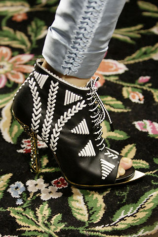 Trend Alert: Black & White Accessories