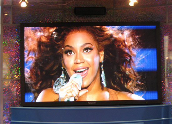 Beyoncé On Panasonic's Big Screen at CES