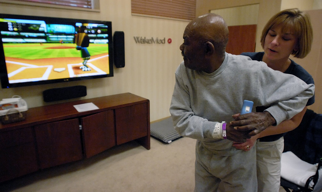 Seniors Use Wii For Physical Therapy