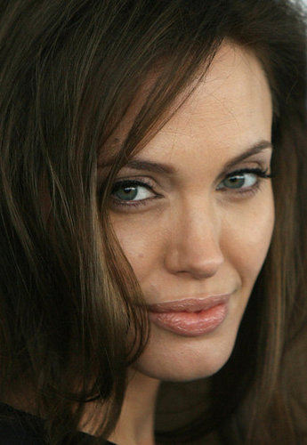 Angelina Jolie: US Should Step Up Iraq Humanitarian Support