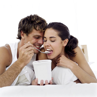 Dear Poll: Does Dating Impair Your Diet?