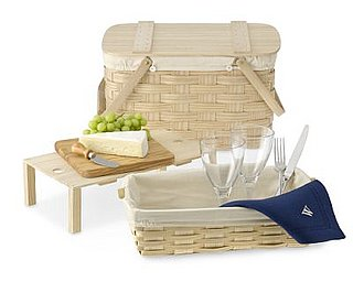 Sugar Shout Out: Win a Springtime Picnic Basket!