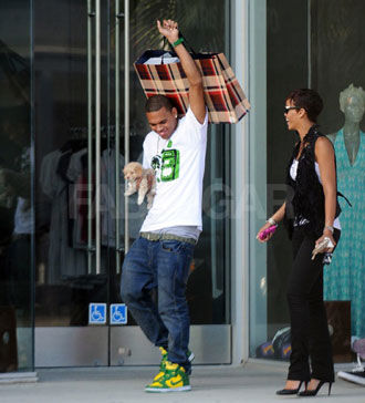 Rihanna and Chris Brown Shopping Together in LA