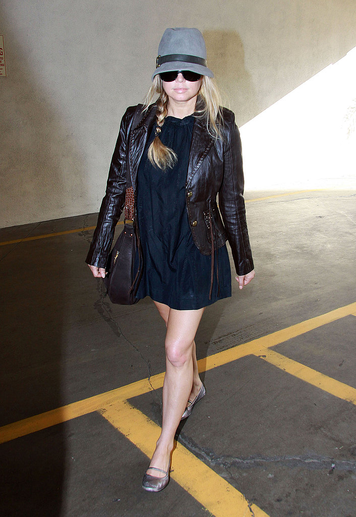 Fergie Heading into Doctors Office in LA