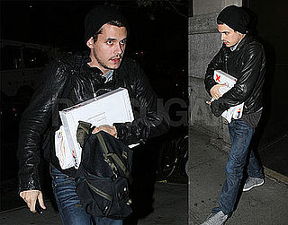 John Mayer Invites Jennifer Aniston Home For Turkey Day