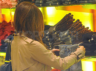 Kate Beckinsale Shops on Robertson