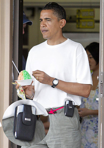 Barack Obama Is a Cell Phone Holster Man