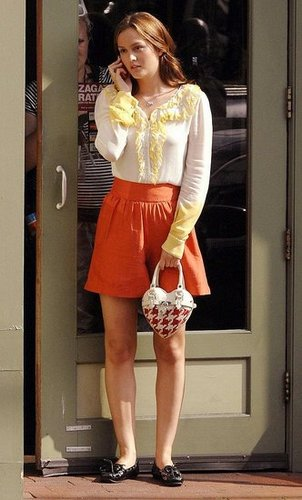 Gossip Girl's Leighton Meester Uses Orange LG enV Cell Phone as Blair Waldorf