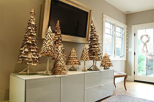 Daily Tech: Transform Your HDTV From Drab to Festive Fab