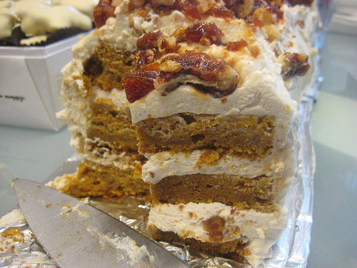 Pumpkin Cake = Perfect Alternative to Pumpkin Pie