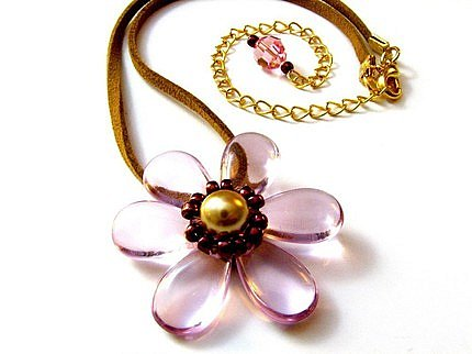 Etsy :: Rose-Mallow Necklace ($20)