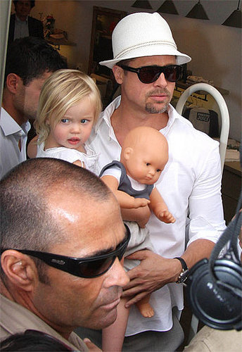 Cuteness Overload: Momma, Daddy, Shiloh, and her babydoll go Shopping. 