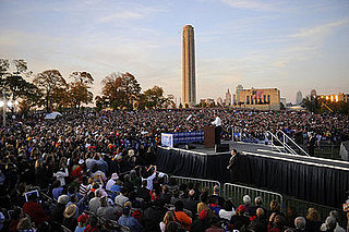 Obama Draws a Crowd of 100,000 in St. Louis