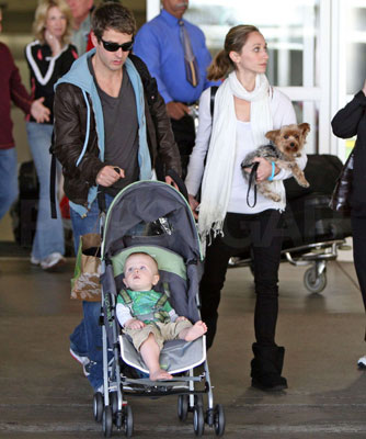Joey McIntyre's Lil Griffin Is Hangin' Tough in a Maclaren