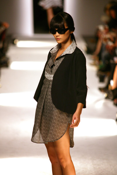 Paris Fashion Week: Dévastée Spring 2009
