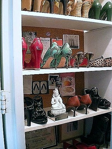 Cool Idea: Shoe Closet Bulletin Board