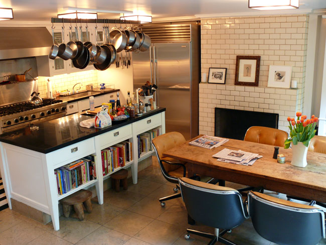 Subway tiles in the kitchen have new york city style for New york style kitchen