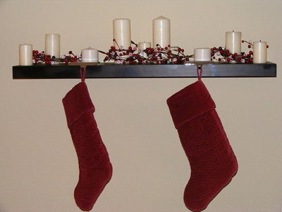 Jenlovesgreen doesn't let her mantel-less home stop her from hanging stockings.
