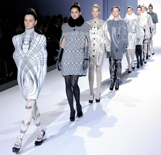 Cutting Edge Designs From Japan Fashion Week 