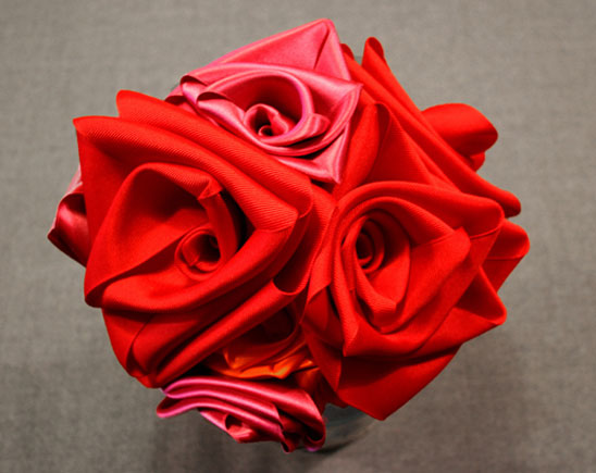Make Roses From Ribbons