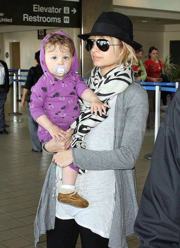 Nicole and Harlow Leaving LAX