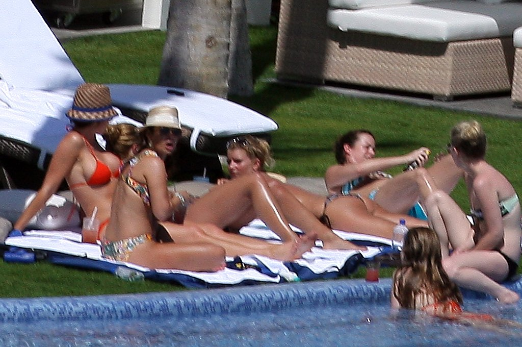 Bikini-Clad Jessica Simpson in Mexico