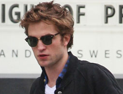 Robert Pattinson Talking New Moon