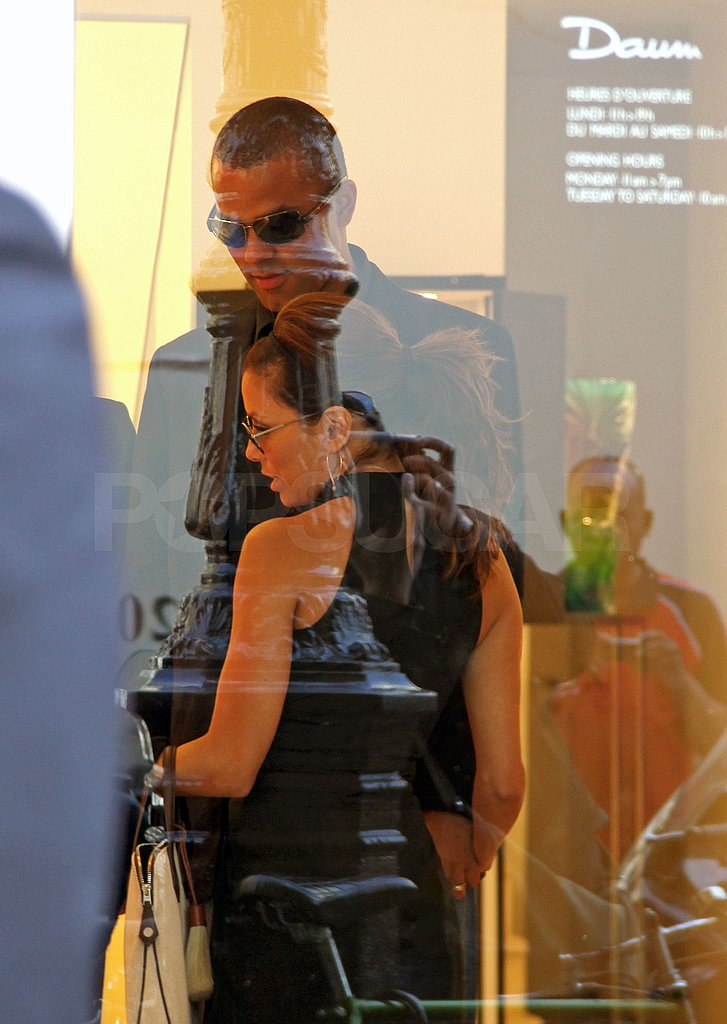 Eva and Tony Shop in Paris