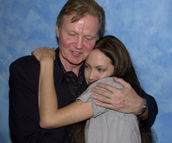 Angelina Jolie and her dad, Jon Voight, showed some love at a June 2001 Tomb Raider press conference in LA.