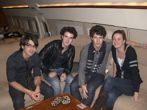 Photos and Video of Jonas Brothers Surprise Theater Invasion Tour in SF 03/01/09