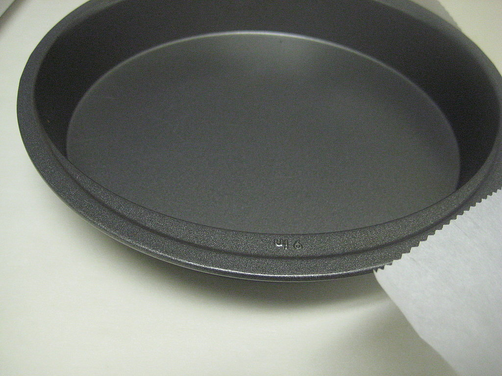 Line Cake Pans With Parchment Paper