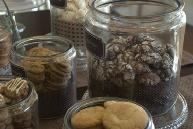 Lil Links: Dunk Your Cookies in Milk at a Sweet Baby Shower