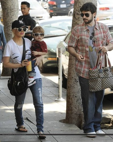 Christina and her family shopping at La La Ling on 08/08