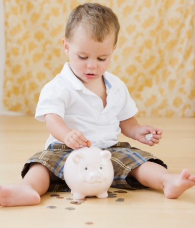 Five Tips For Introducing Tots to Saving