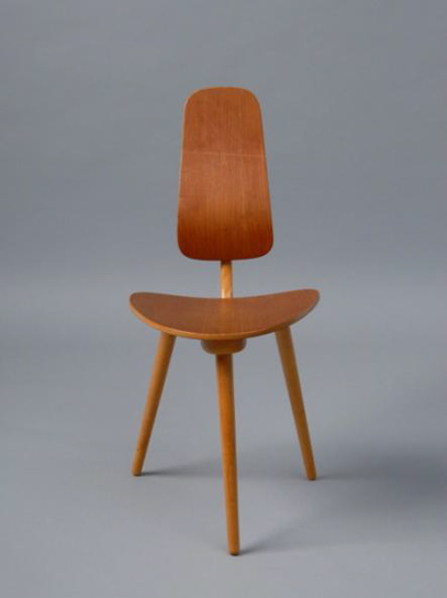 "The three-legged chair, called ""Grill,"" is from 1958 and reminds me of the birthing chair. Source"