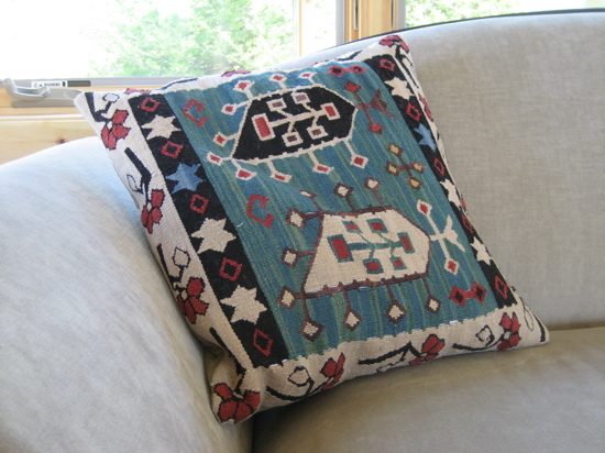 I loved this pillow, which was made from an old kilim. Definitely a steal-worthy idea!